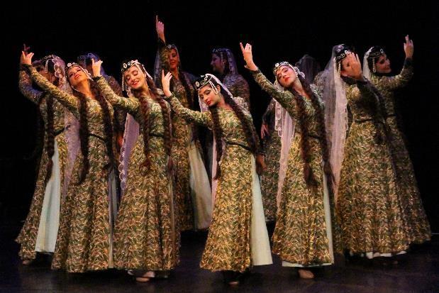 danse et habit traditionnels arméniens
